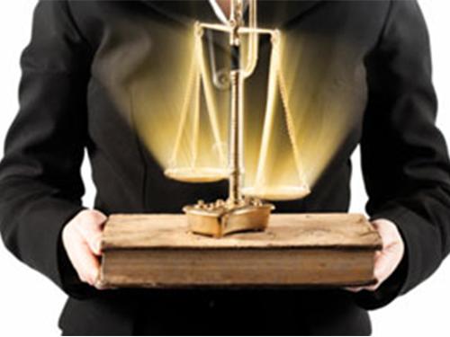 مشارکت مکتوب: عدالت ، آیا همهٔ افراد در کنگره با هم برابر هستند ؟